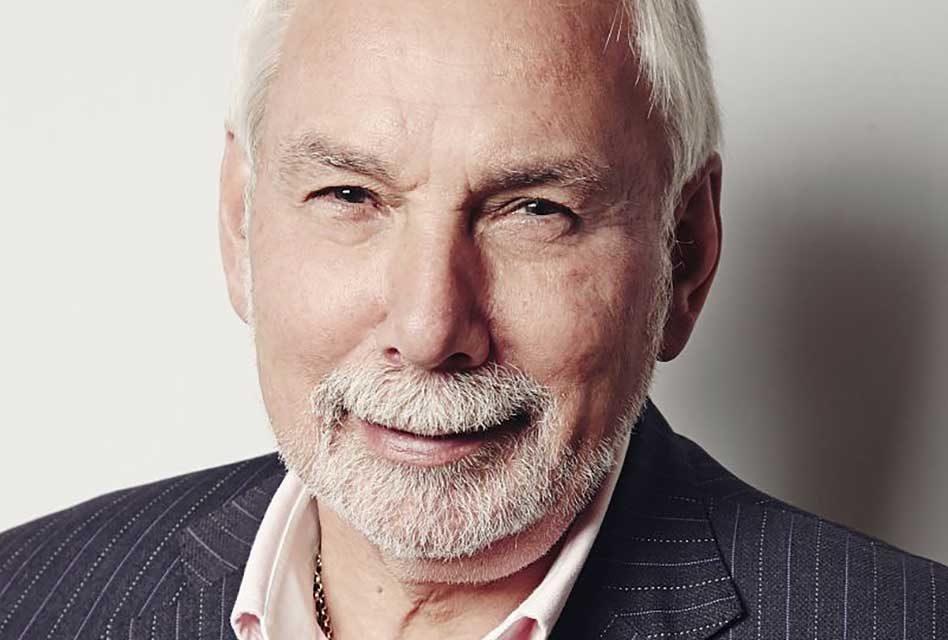 Nigel Steffans bidsfarewell to Fespa
