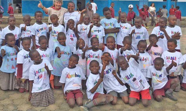 PAG donates 100 Gildan T-shirts to the Walk Centre